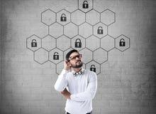 Het hexagonale concept van de slotveiligheid Royalty-vrije Stock Afbeeldingen