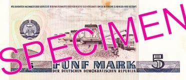 Het historische 5 Oostduitse omgekeerde van het tekenbankbiljet 1975 royalty-vrije stock foto's