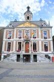 Het historische Stadhuis van Huy in de Ardennen, België royalty-vrije stock afbeelding