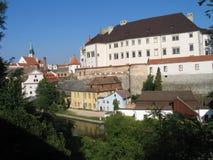 Het historische stadspanorama in Zuid-Bohemen - Jindrichuv Hradec royalty-vrije stock foto's