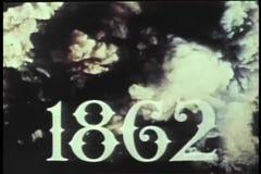 Het historische weer invoeren van de scène van de Burgeroorlogslag door rook stock videobeelden