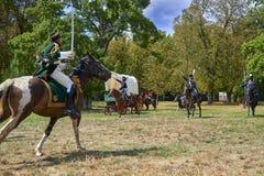 Het historische weer invoeren van Slag van de Drie Keizers in slavkov-Austerlitz, cavalery gaat op de aanval stock afbeeldingen