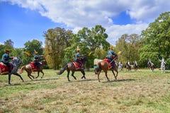 Het historische weer invoeren van Slag van de Drie Keizers in slavkov-Austerlitz, cavalery gaat op de aanval stock afbeelding