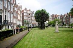 Het Hof van Begijnhof in Amsterdam Royalty-vrije Stock Foto's