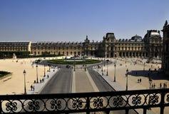 Het hof van de het museumcirkel van het Louvre Stock Fotografie