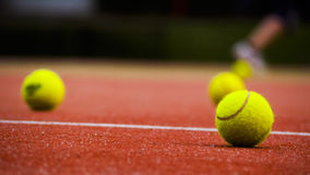 Het Hof van tennissporten Bal stock afbeeldingen