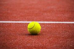 Het Hof van tennissporten Bal royalty-vrije stock afbeelding