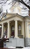 Het hofhuis van de Fauquierprovincie bij Kerstmis met een boom in Warrenton, Virginia Stock Fotografie