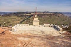 Het hoge van de de Brugbouw van Moezel zijaanzicht over de Moezel vall Royalty-vrije Stock Afbeeldingen