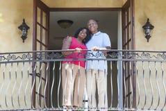 Het hogere Afrikaanse Amerikaanse Paar van de Man & van de Vrouw stock foto