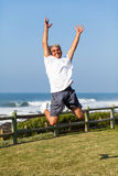 Het hogere mens springen Stock Foto's