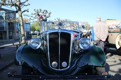 Het hol van Nederland - van Nieuwerkerk aan IJssel - Mei vijfde 2018 - klassieke auto's en motoren verzameling genoemde Hollandse Royalty-vrije Stock Foto's