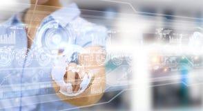 Het hologramscherm met digitale die datas door 3D zakenman wordt gebruikt geeft terug Stock Afbeelding