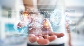 Het hologramscherm met digitale die datas door 3D zakenman wordt gebruikt geeft terug Stock Afbeeldingen