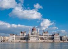 Het Hongaarse Parlement die op de bank van de Donau in Boedapest voortbouwen Royalty-vrije Stock Foto