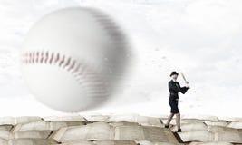 Het honkbal van het vrouwenspel Gemengde media Stock Afbeeldingen