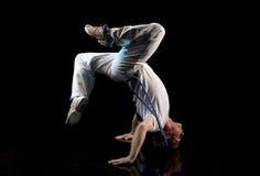 Het hoofd van Breakdancer over hielen Stock Foto's