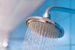 Het hoofd van de douche De watervoorziening wordt uitgezet royalty-vrije stock foto