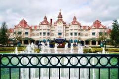 Het hoofdhotel van Disneyland Paris stock afbeeldingen