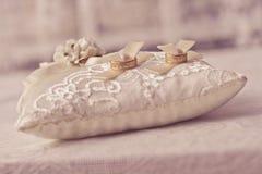 Het hoofdkussen van het huwelijk Royalty-vrije Stock Afbeelding