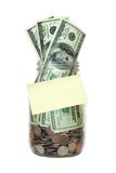 Het Hoogtepunt van de kruik van Geld, Lege Nota, Geïsoleerd Sparen Stock Fotografie