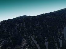 Het horizontale groene langzaam verdwenen landschap van bergheuvels Stock Afbeelding
