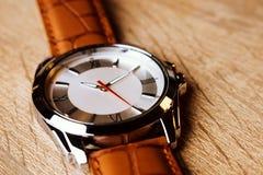Het horloge van de luxemanier stock foto's