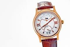 Het horloge van de stijlmens op wit wordt geïsoleerd dat Stock Fotografie