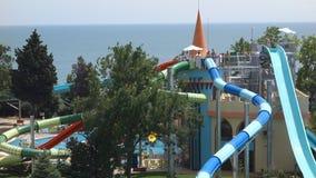 Het hotel Sol Nessebar één van de beste hotelkettingen in Bulgarije op de Zwarte Zee coastGuests ontspant in de lokale pools en h stock video
