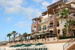 Het Hotel van Beachfront Stock Fotografie