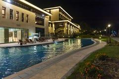 Het hotel van de luxe en zwembad Royalty-vrije Stock Afbeeldingen
