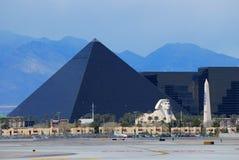 Het hotel van Luxor in de strook van Las Vegas Stock Foto's