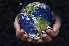 Het houden van de Aarde Stock Foto
