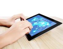 Het houden van de tablet van het aanrakingsscherm Royalty-vrije Stock Afbeelding