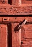 Het hout van de de kloppersdeur van Spanje in roodbruin Royalty-vrije Stock Afbeelding