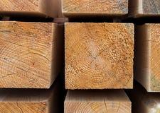 Het houten pakhuis van het blok vierkante deel van bouwmaterialen beige patroon stock afbeeldingen