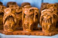Het houten pronkstuk van de apen van Gandhiji ` s drie royalty-vrije stock afbeeldingen