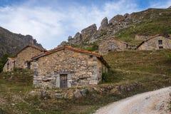 Het huis in bergen Royalty-vrije Stock Foto's