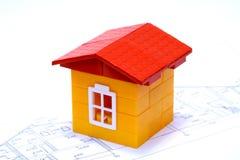 Het huis een stuk speelgoed Stock Foto