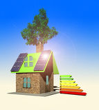 Het huis met 3d zonnepanelen, geeft terug Royalty-vrije Stock Foto