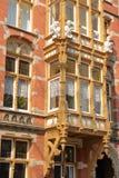 Het huis met de Kobolden Huis ontmoette DE-kabouters, Nederlandse oude die voorgevels op Ceintuurbaan Street DE Pijp worden geves stock afbeeldingen