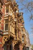 Het huis met de Kobolden Huis ontmoette DE-kabouters, Nederlandse oude voorgevels die op Ceintuurbaan Street DE Pijp worden geves royalty-vrije stock afbeelding