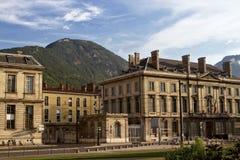 Het huis op de straat in Grenoble Stock Foto's