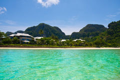 Het huis op het strand, Thailand Stock Foto's