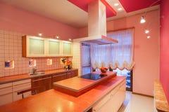 Het huis van de amarant - countertop van de Keuken royalty-vrije stock fotografie