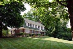 Het Huis van de baksteen Frame met Bomen Royalty-vrije Stock Foto's