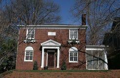 Het Huis van de baksteen op Heuvel Stock Foto's