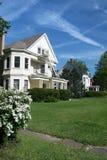 Het Huis van de familie: De Straat van de buurt Stock Fotografie