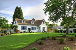 Het Huis van de familie met Boom Royalty-vrije Stock Afbeelding