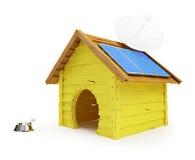 Het huis van de hond met zonnepanelen en antenne stock illustratie